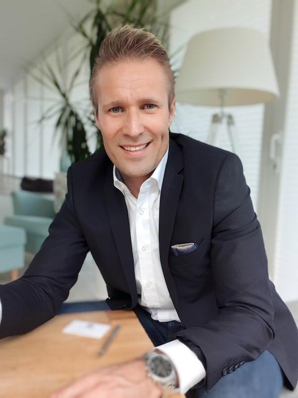 Alexander Hirsch-LeFA-Finanz-Leasing-Factoring-Finanzierung- +49 02102 5556701-Ratingen